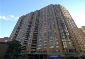 100 Upper Madison Avenue,Toronto,Canada,Yonge Sheppard,100 Upper Madison Avenue,1025
